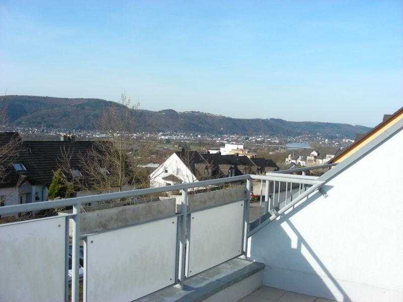 Traumhaftes, helles Studio mit Westausrichtung, Moselpanorama und großem Balkon